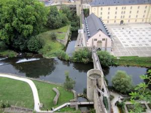 Oropesa en Luxemburgo Rio Alzette Vista desde Arriba