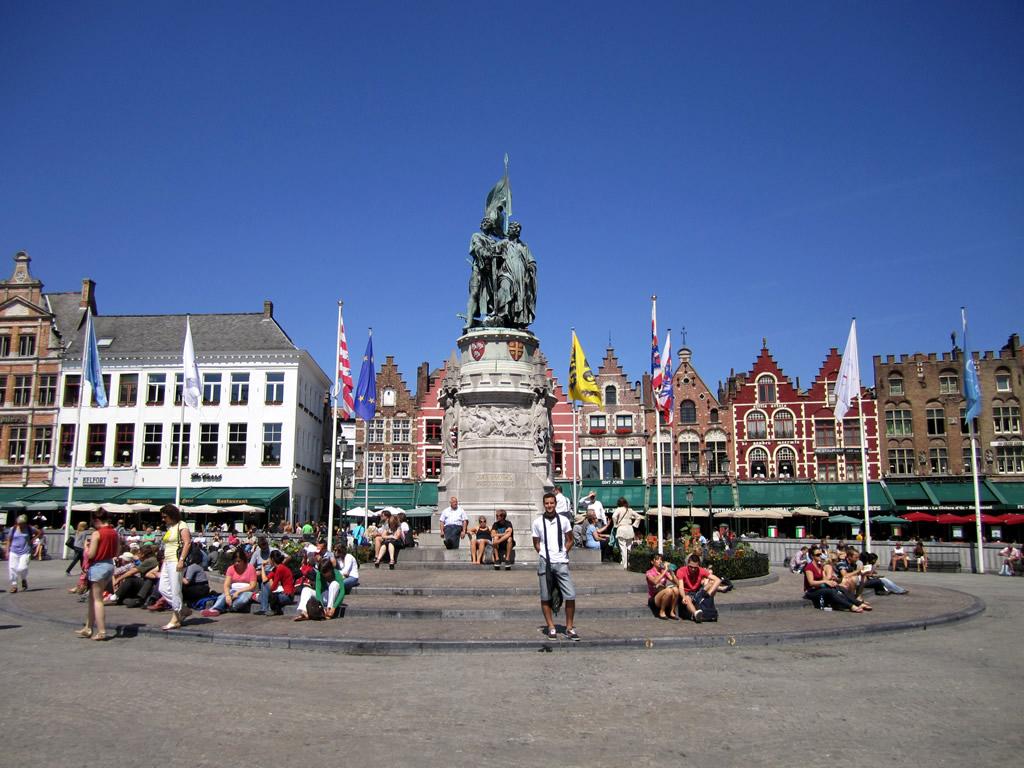 Oropesa en Brujas en la Plaza Markt